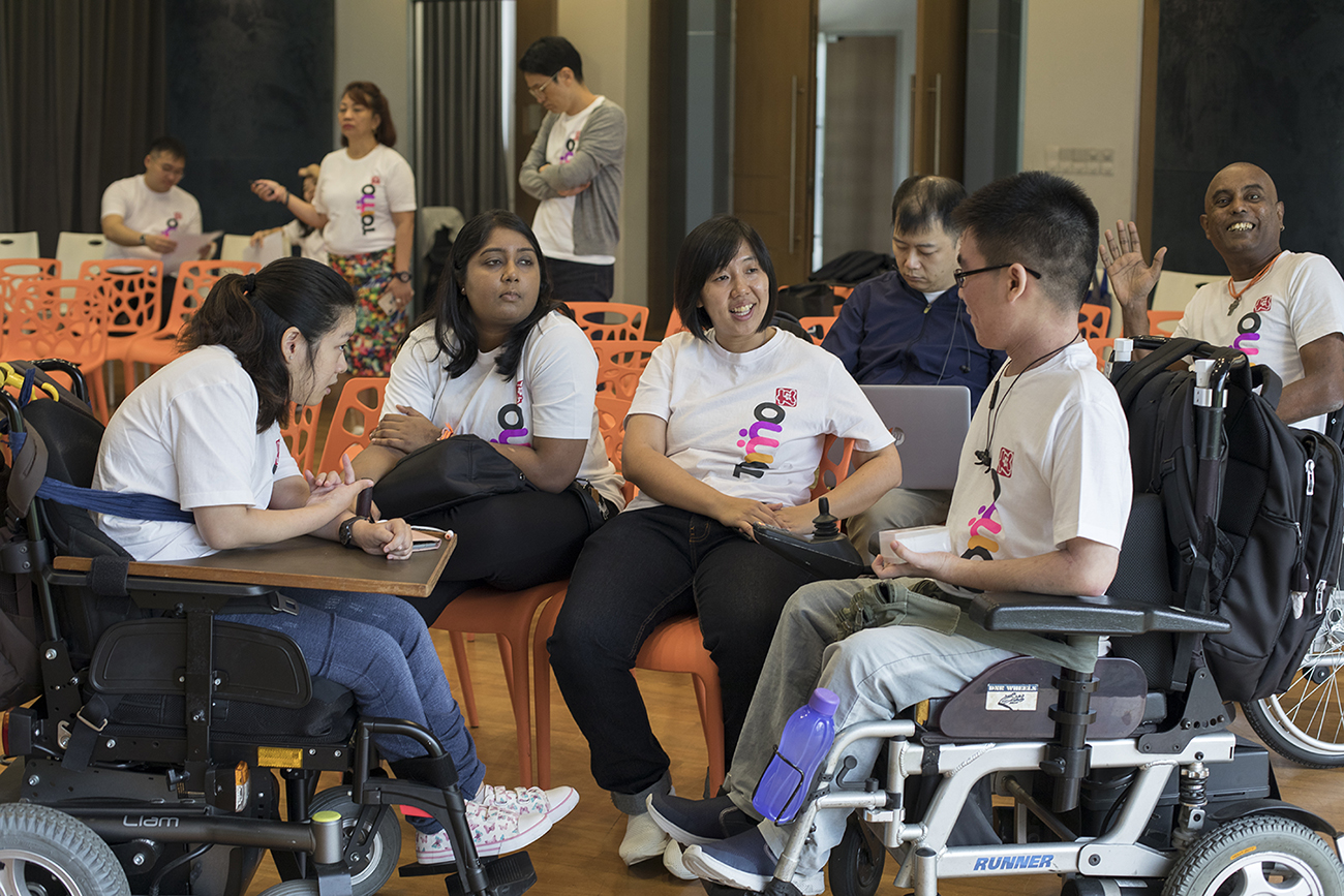 Cindy Chng has talk with some of TomoWork members